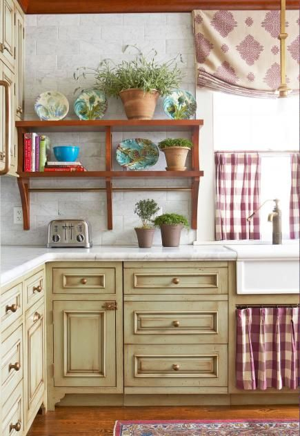 25 Ideas For Kitchen Cabinet Makeovers. Decorating Color ...