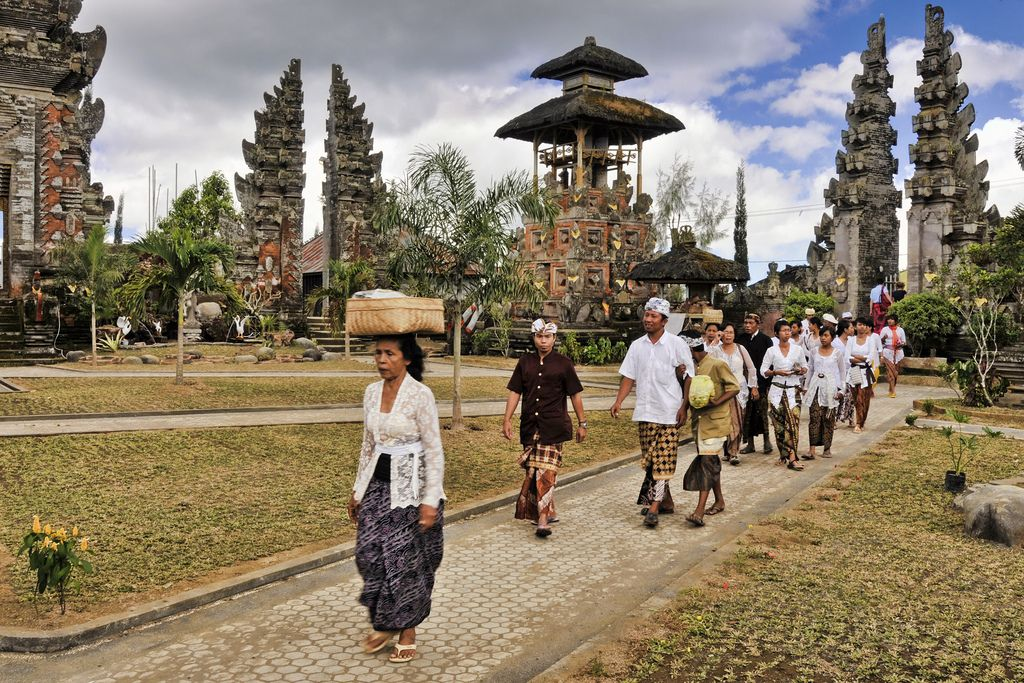 Hindu Worshippers in Bali