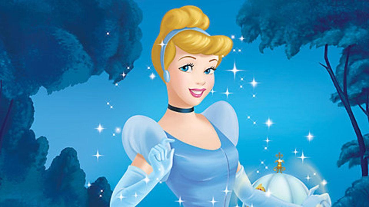 Ce Detail Physique Etrange Chez Cendrillon Que Tout Le Monde Vient De Remarquer Cendrillon Disney Princesse Cendrillon Animation Disney