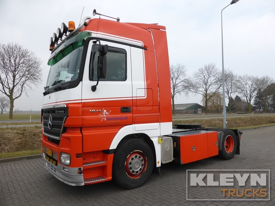 Buy Second Hand Mercedes Benz Tractors For Sale At Kleyn Trucks Buy New And Used Mercedes Benz Tractors Or Trucks Mercedes Benz Used Mercedes Benz Volvo Trucks