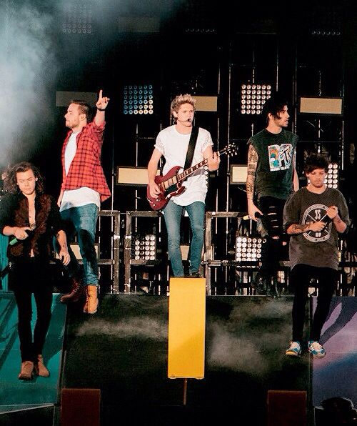 I personally think that WWA tour was the best Era cuz they had good outfits everyday❤❤
