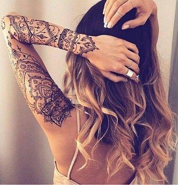 Ideas Y Disenos De Tatuajes Para Brazos Delgados Tatuajes Cadera Mujer Tatuajes De Henna Tatuajes De Henna Manos