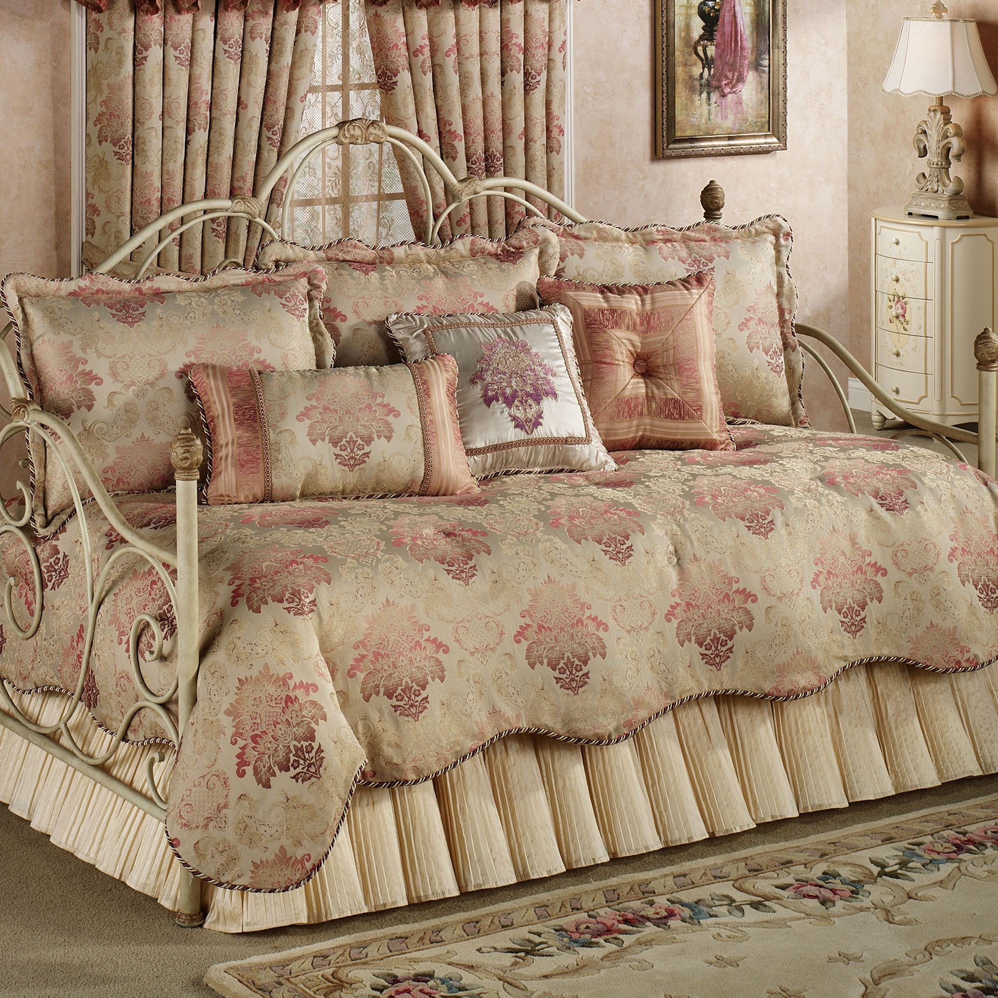 Chandon Damask 5 pc Daybed Bedding Set Beddings
