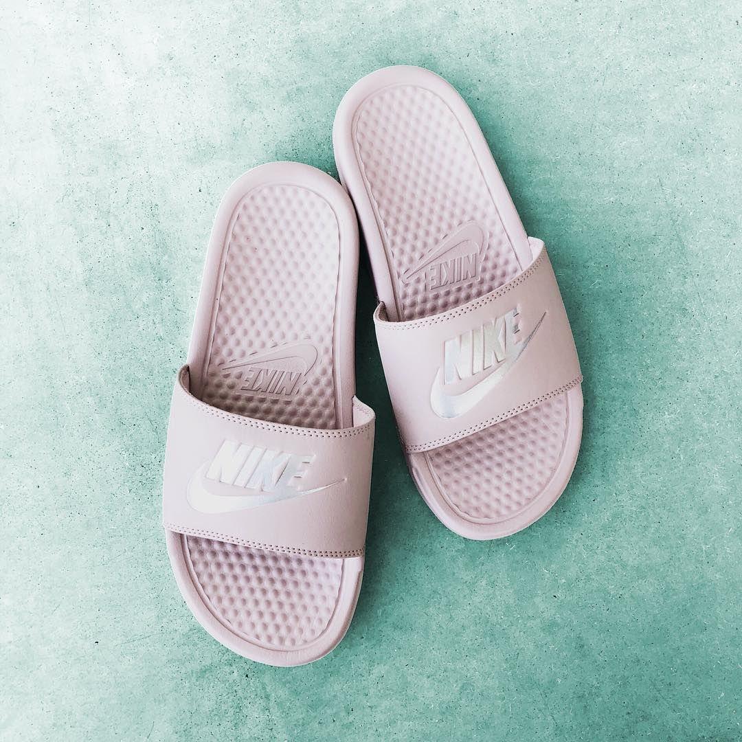 Pin de Magali Rivero en Nike (con imágenes) | Chanclas nike ...