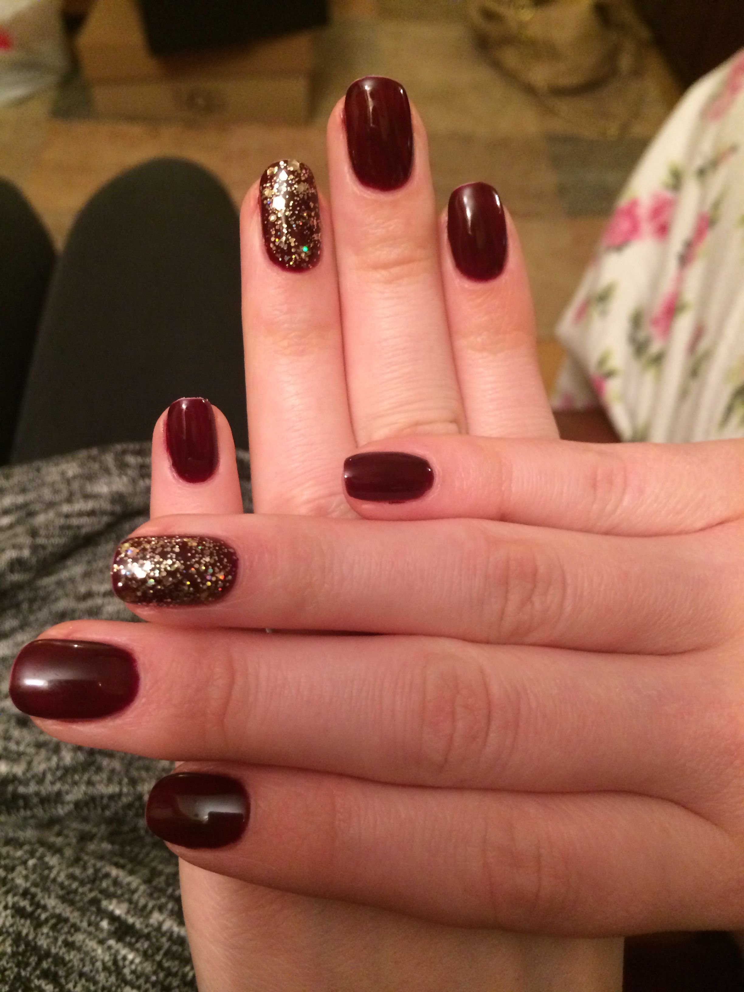 Gelish - black cherry berry + all that glitters is gold ...
