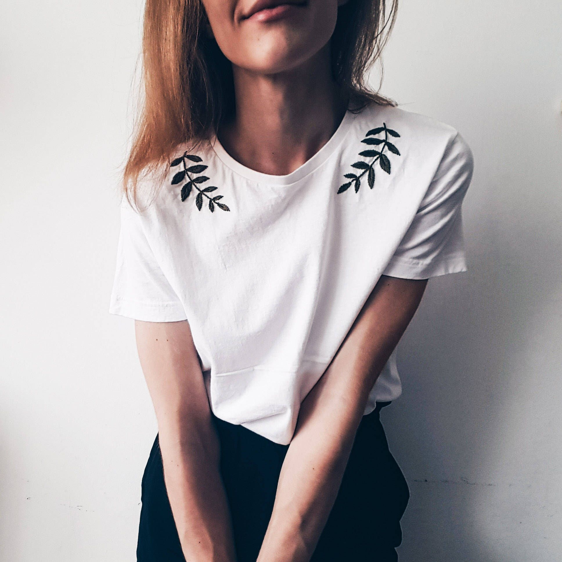 Embroidery - Hand Embroidery - Embroidery t shirt - Embroidery tshirt - Womens clothes - White t shi #allwhiteclothes