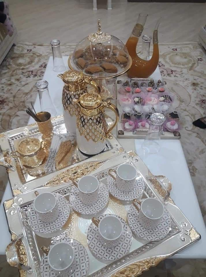 Wouldn T Mind This Everyday Table Setting Decor Arabic Decor Beaded Wedding Cake