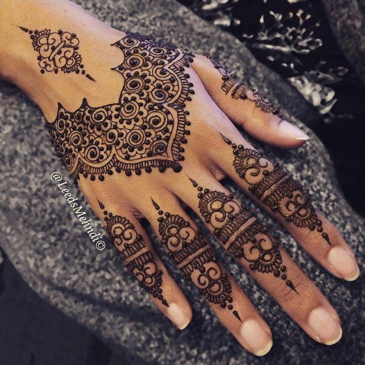 Henna design henna designs pinterest henn le henn et mod les de henn - Modele de henna ...