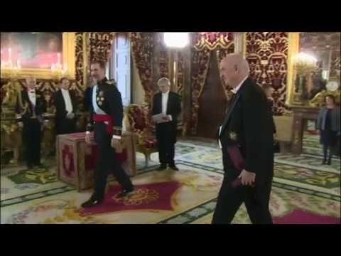 S.M. el Rey recibe las cartas credenciales del Embajador de Perú, José A...