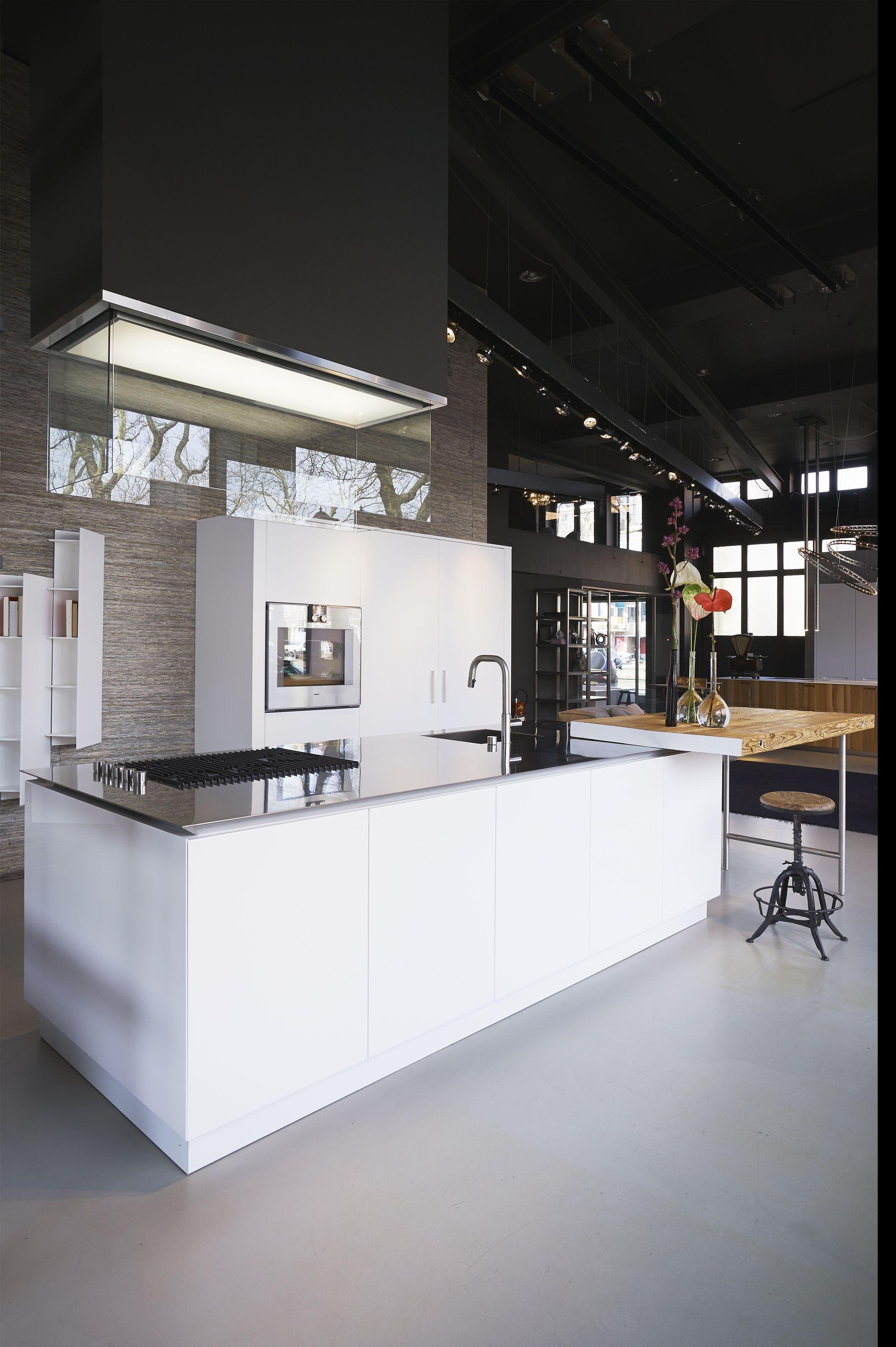 bulthaup white tall units with #Gaggenau ovens. #kitchens #b3   Case ...