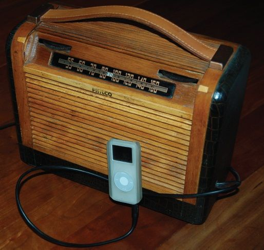 simple circuits turn a tube radio into an mp3 amp vintage radios rh pinterest com