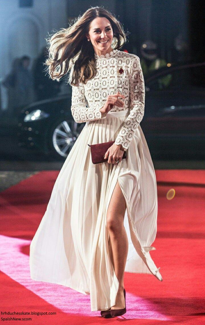8e3c82ca3ef0 Tge duchess of Cambridge latest pics on premier of movue | Kate ...