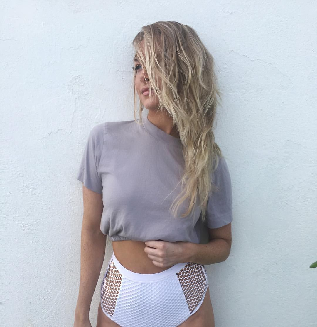 Camille Kostek Facts: Pin By Elle Bausch On Style