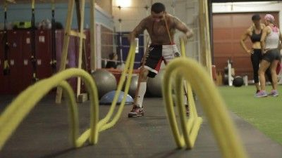 Beginners Guide To Battle Ropes Total Body Workout Fitness Body Mma Workout