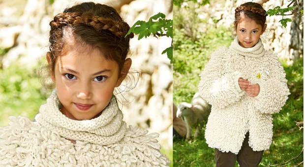 La veste enfant au point fourrureDouce, chaude et originale, tricotez cette veste au point fourrure. Un point fantaisie à découvrir. Les bords de la veste sont bordés au point d'écrevisse réalisé au crochet.