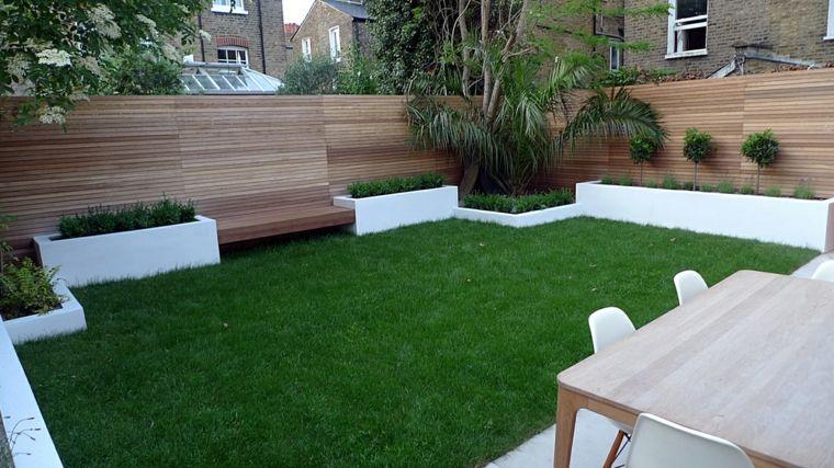 Decorar jardines con parcelas de c sped new home for Decoracion jardines modernos