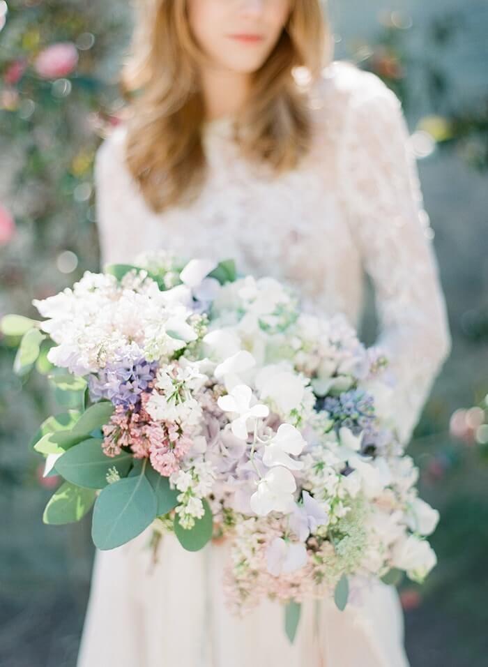 wunderschöner Brautstrauß, weiss, Hochzeit, Blumenstrauß