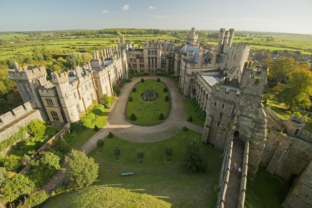 Construído em 1067, Castelo de Arundel é uma das atrações do sul da Inglaterra: http://ow.ly/KZyqM