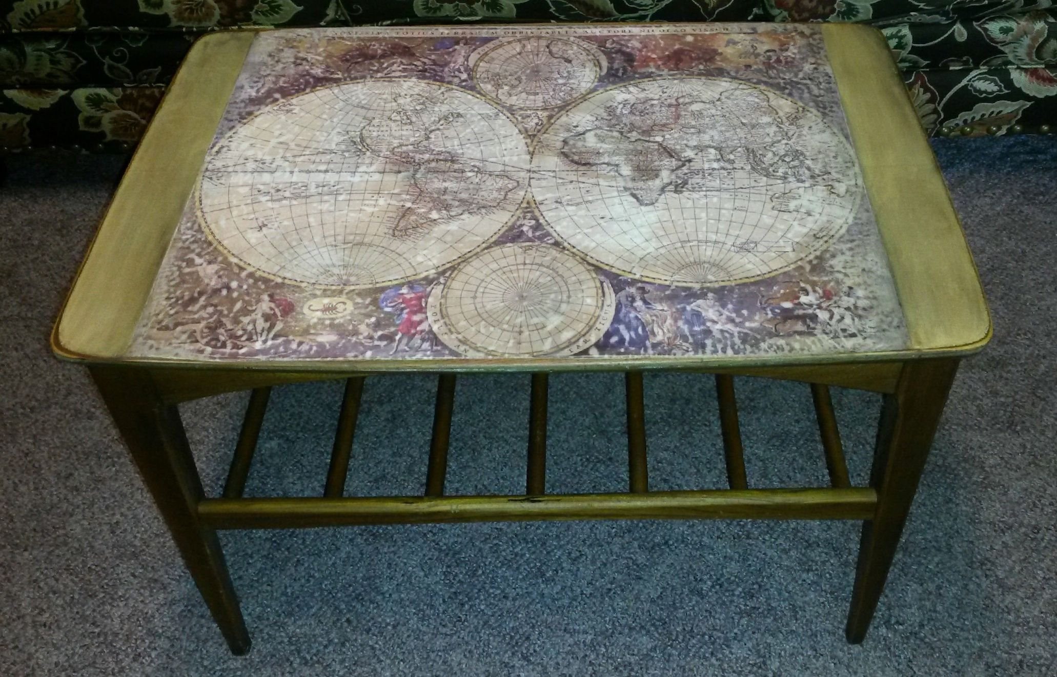 Old world map decoupaged onto coffee table top Furniture redo