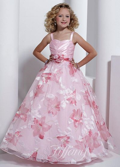 17  images about Homecoming on Pinterest  Girls pageant dresses ...