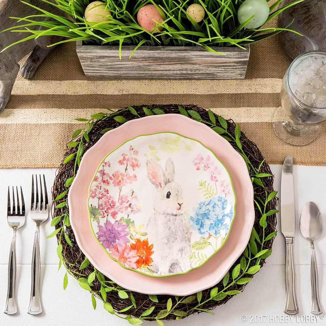 Pretty Pastel Place Settings Spring Greenery And Floral Stems Nothing Says Easter Like This Sweet Diy Easter Decorations Easter Place Settings Bunny Plates