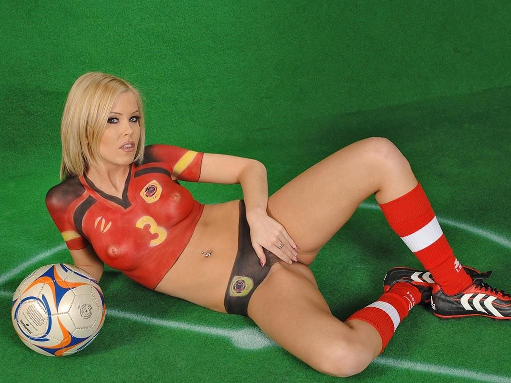 sex-world-cup-body-paint-amateur-allure-betty-porn-images