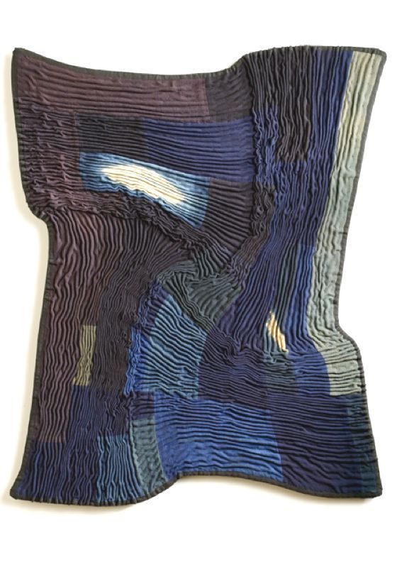 TEXTURES AND INTERLACEMENTS IN BEAUTIFUL TEXTILE WORKS BY