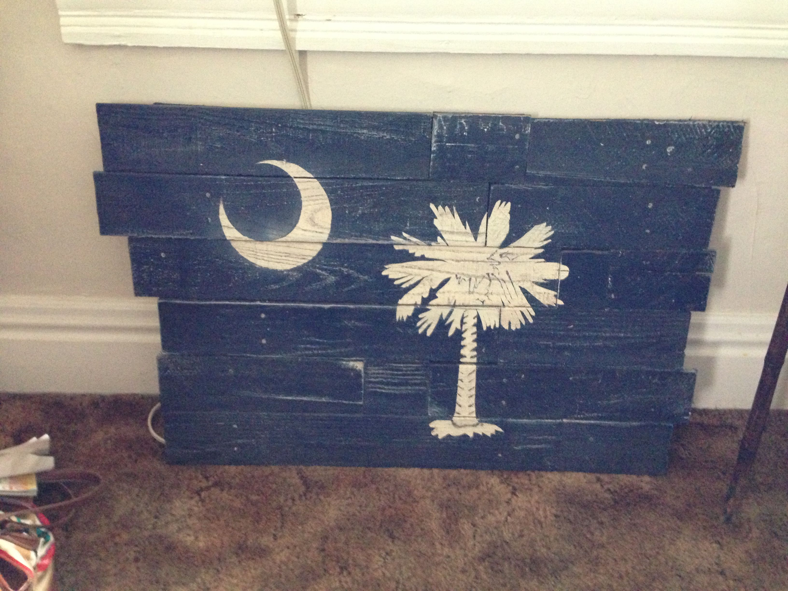 Paint for wood crafts - South Carolina Palmetto Moon Flag Painting On Pallet Wood