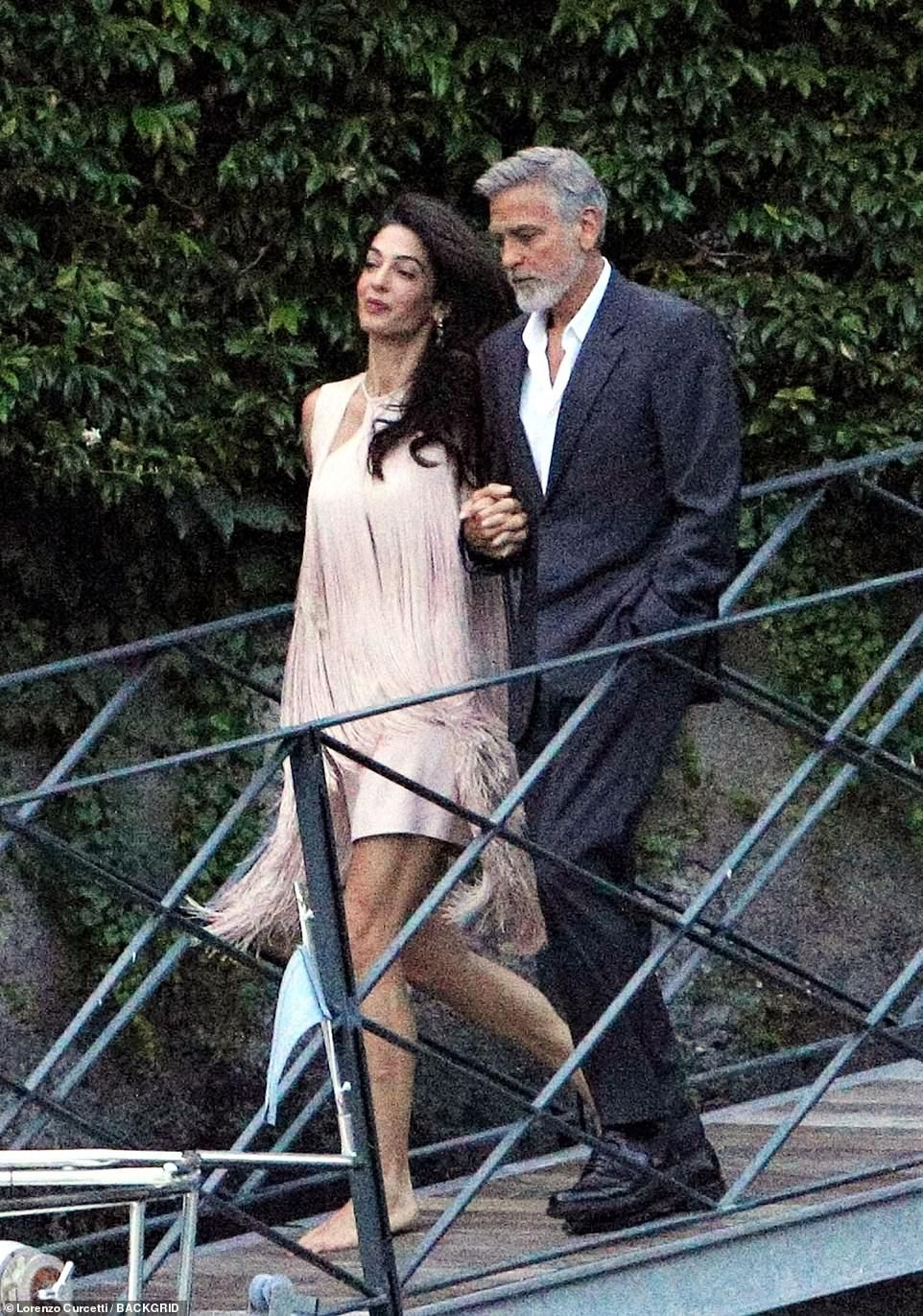 Pic Exc The Clooneys Are Joined By Stella Mccartney And Her Husband Amal Clooney Cute Celebrities Celebrity Outfits