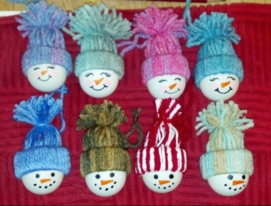 ping pong ball snow boys and girls! #feltchristmasornaments ping pong ball snow boys and girls! #deconoelmaternelle