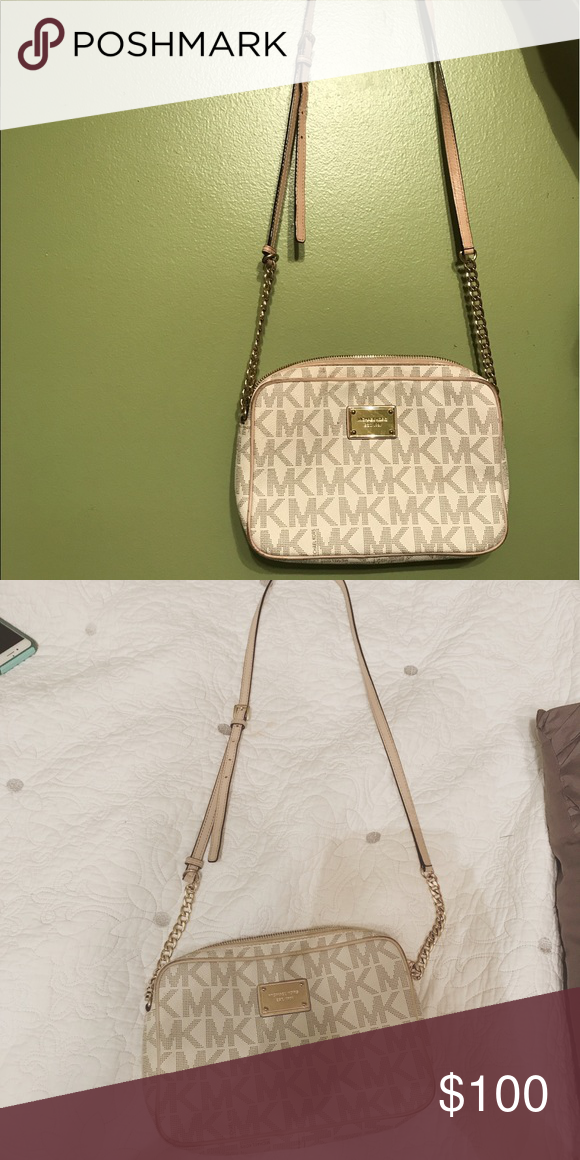 0d26372bc7a3 MK cross body or off shoulder purse Super cute white and light gold micheal  Khors cross body purse! Lightly used and in great condition.