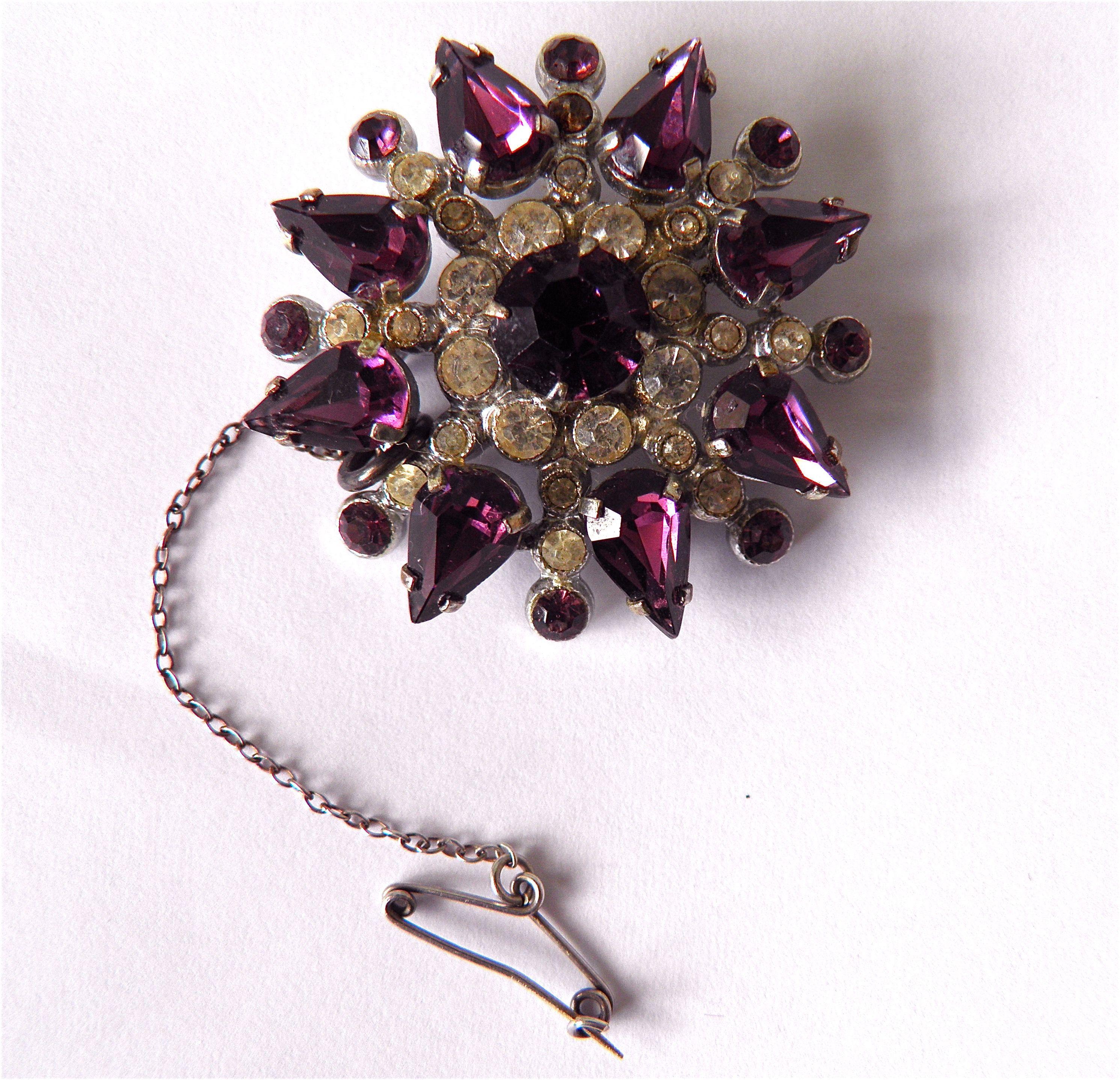 Vintage Gilt Silver Diamante Amethyst Glass Paste Brooch Pin Broach Pear Chaton 05.51