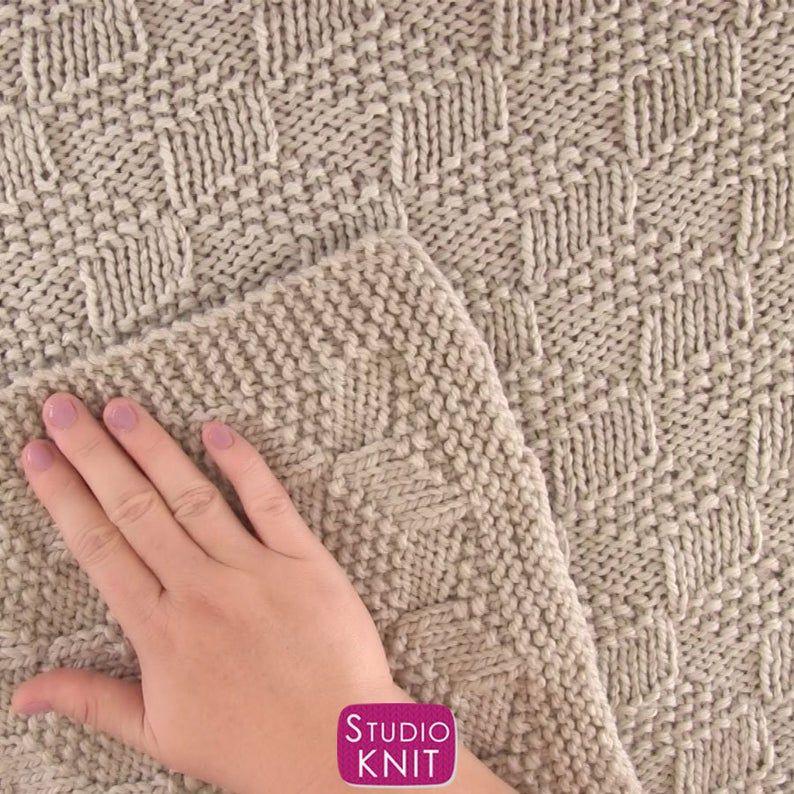 Easy Knitted Blanket in Tumbling Blocks Pattern Beginner