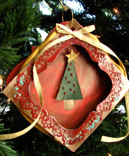 Handmade ornament using Sizzix Die by @Eileen Hull Jen @ JGoode