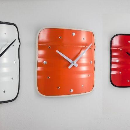 Nice M bel aus lf ssern Wanduhr im Industriestil Metall Fassm bel grau rot orange Industriedesign Industrielook