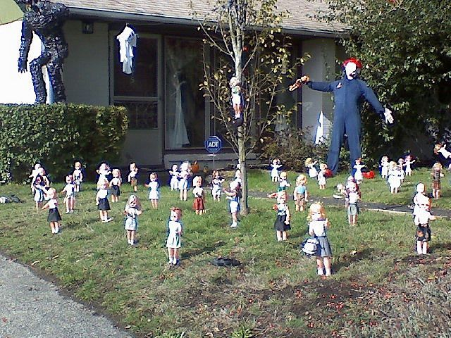 Creepy halloween yard decorationsyard saling for old dollsthey