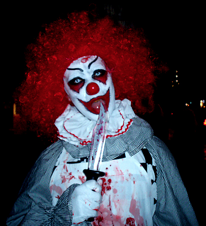 Killer clown send in the clowns pinterest scary for Killer clown movie
