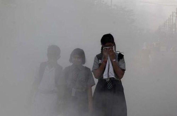 La contaminación del aire mata a millones de personas cada año. #fight for #airquality and #policychange 😷#government