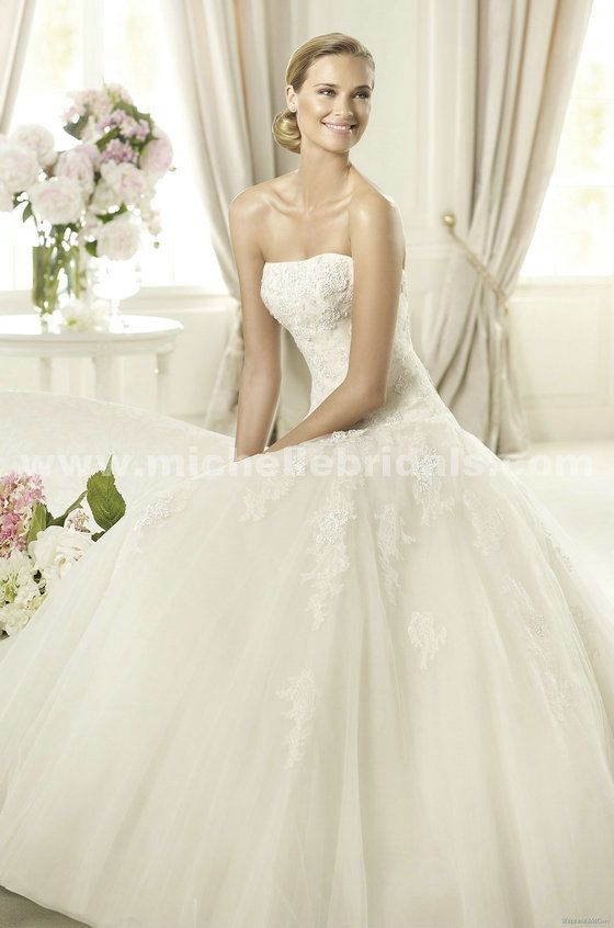 Pronovias Barroco Strapless ALine Wedding Gown With Chapel Train By Style