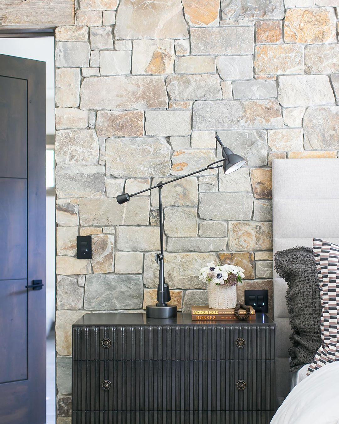 Layers of T E X T U R E in this master bedroom. Photo: @ryangarvin . . . . . . . . . . . . . . . #interiordesign #bedroominspo #houseenvy…