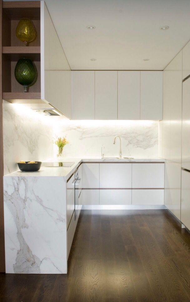 Calacatta Marble Projetos De Cozinhas Pequenas Cozinhas Pequenas Em Forma De U Design De Cozinha Moderna