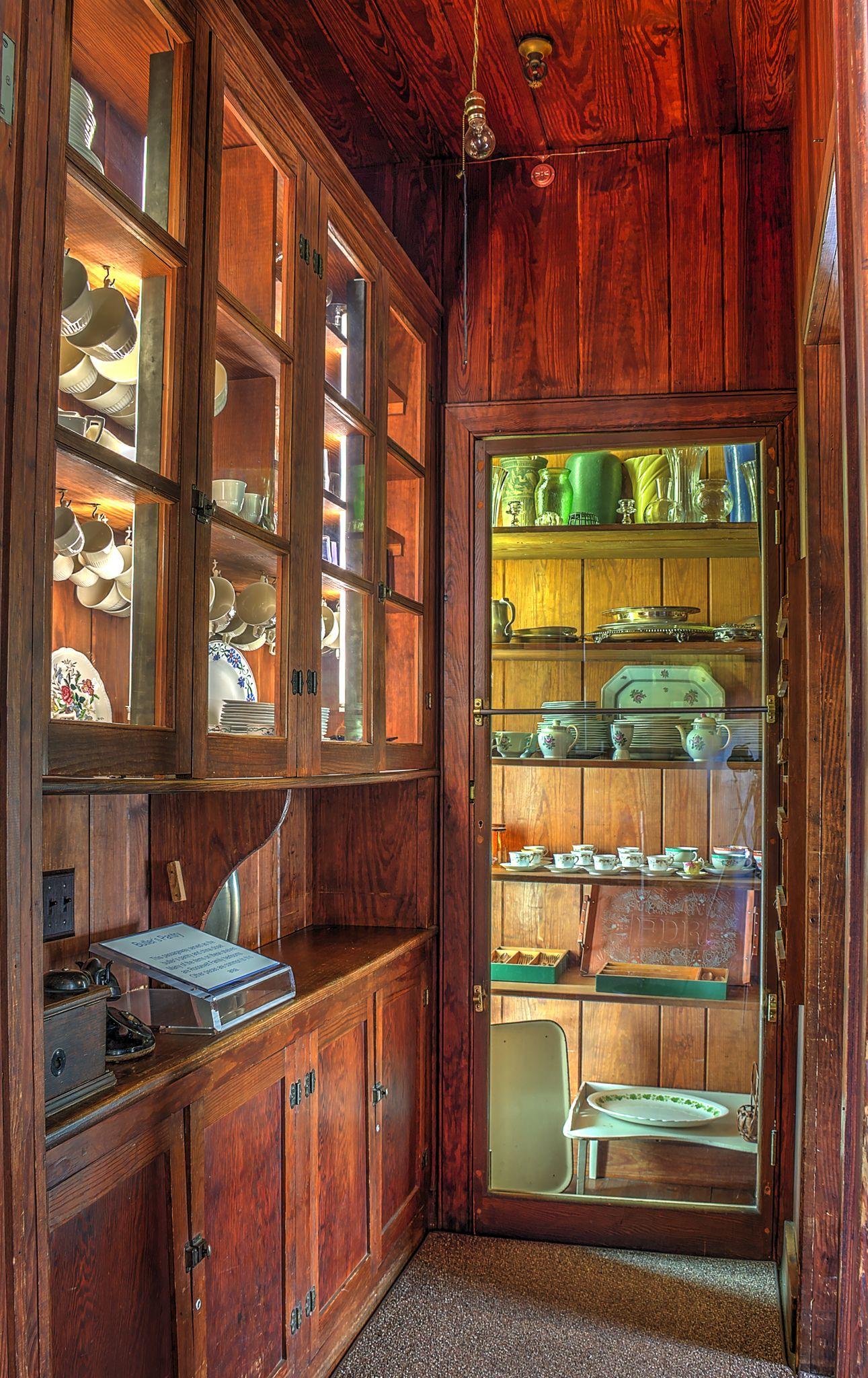 pantry door designs 55333729 Choosing A French Door For ...