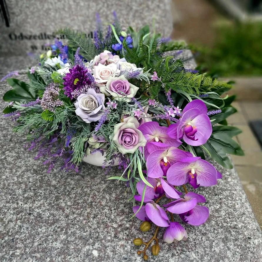 Kompozycja Kwiatowa Czerwiec Nr 300 Swiateczne Atelier Floral Arrangements Floral Floral Wreath