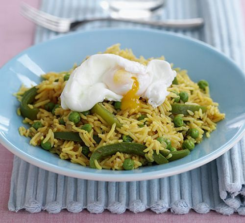 Poached egg with spicy rice
