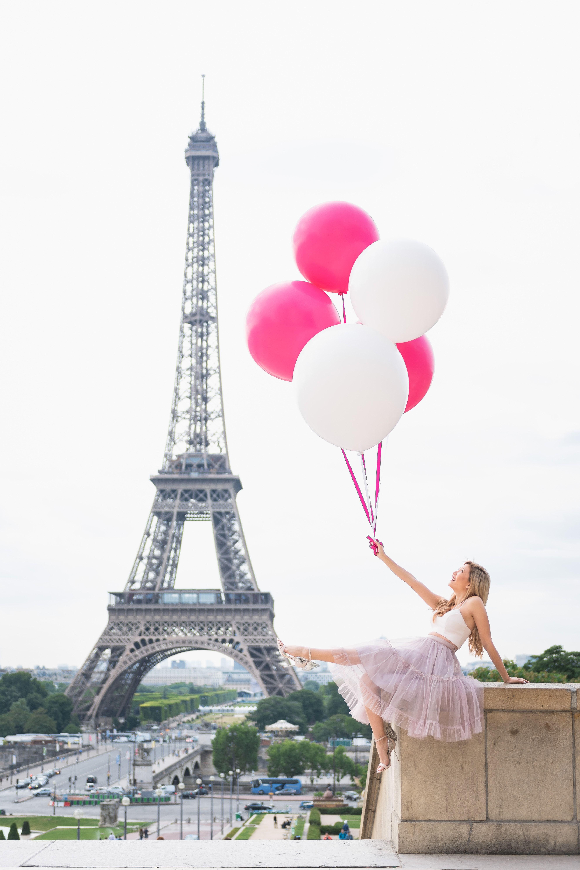 Photoshoot Outfit How To Dress For Your Paris Photo Session Paris Photos Paris Travel Photography Paris Pictures