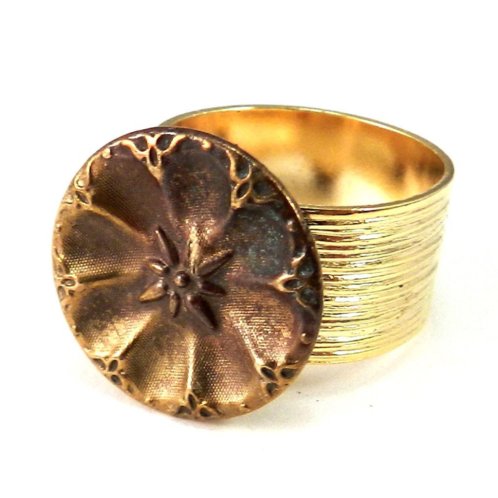 Antique Button Ring - Carnival Star - Etched Gold Band