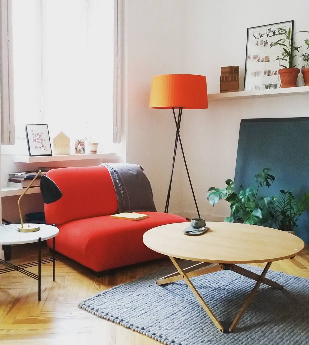 Pin french cafe style chair in red by ines cole on pinterest - Tr Pode G5 Cadaqu S Sofa And Subeybaja Table
