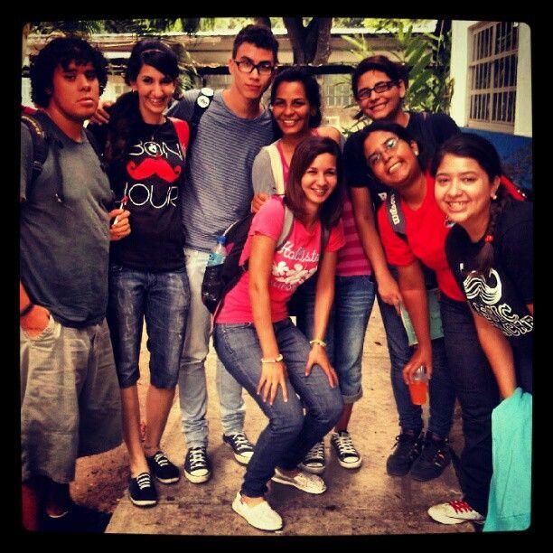 con las mentes maestras de la torta sorpresa de hoy ^_^ #ingenieríaUC #MyBirthday #Nov26th #BestFriends #UC #me