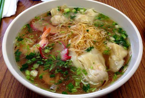 Great Vietnamese food and vegetarian options at Pho Binh in Memphis