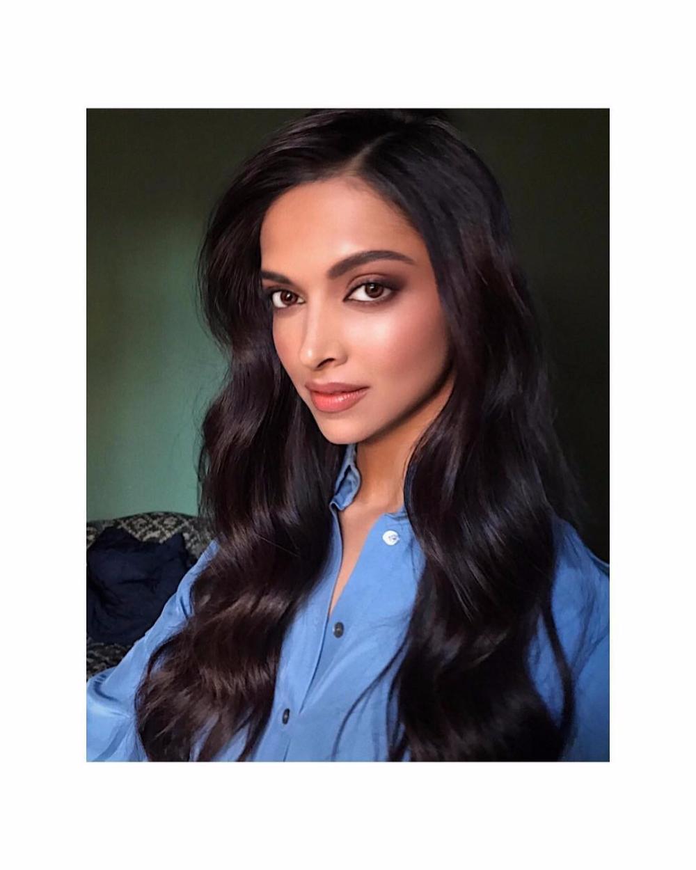 Deepika Padukone Height Age Husband Boyfriend Family Net Worth Etc Biography Hair Color For Black Hair Celebrity News Film Producer